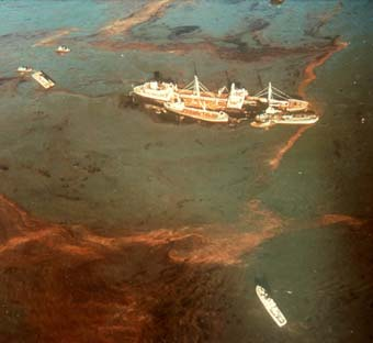 Oregon-standard-San-Francisco-Bay-1971-spill
